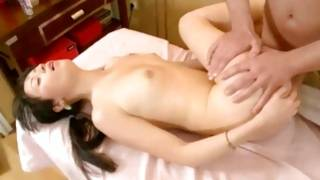 Messy gf screams during the indecent cock insertion