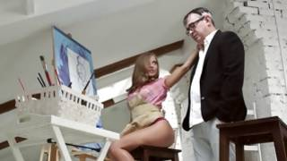 Dude in glasses is cruelly fucking hottie
