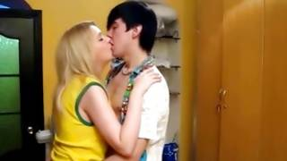 Kinky hot gf is moaning while screwed amazingly